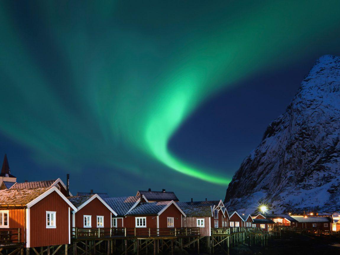 norway lofoten aurora sky rorbuer istk