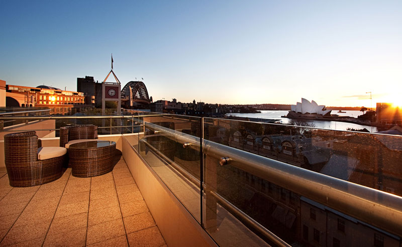 rendezvous hotel sydney the rocks one bed apartment balcony