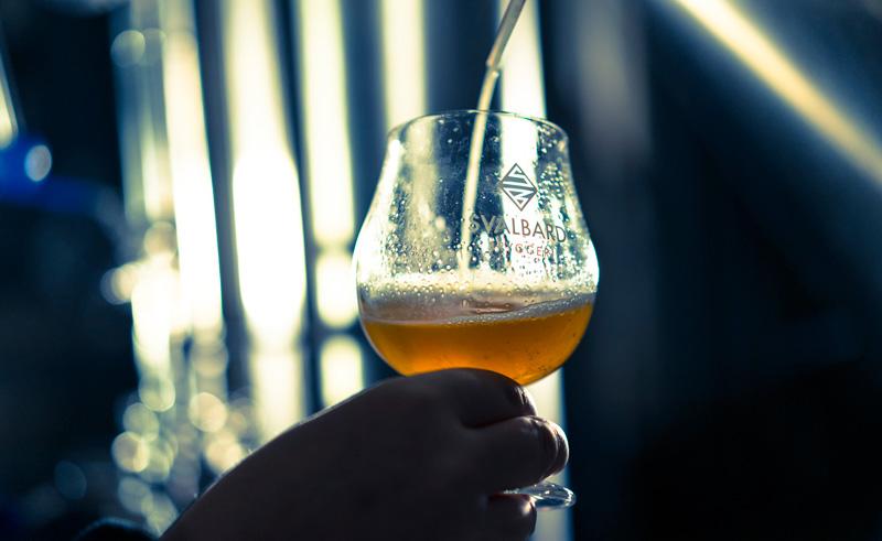 svalbard longyearbyen beer tasting htgrtn