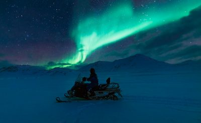 svalbard northern lights snowmobile safari htgrtn
