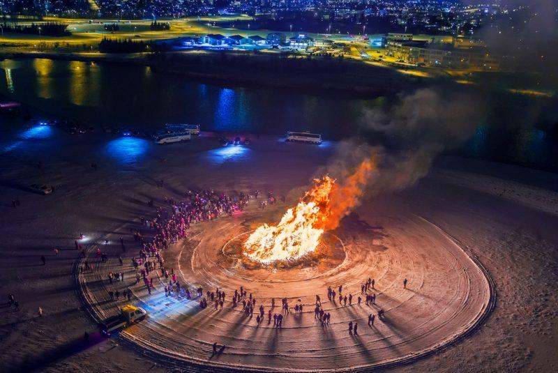 iceland reykjavik new year bonfire 1