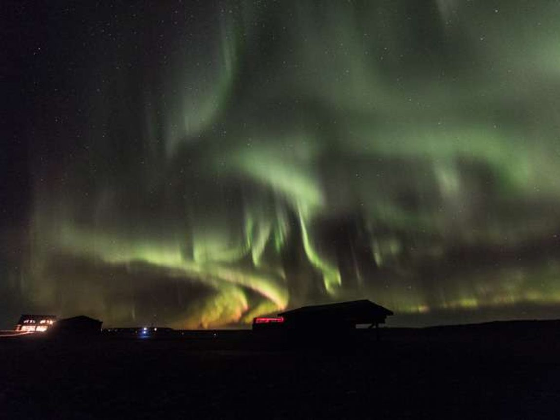 aurora over ranga 02Dec18 shb
