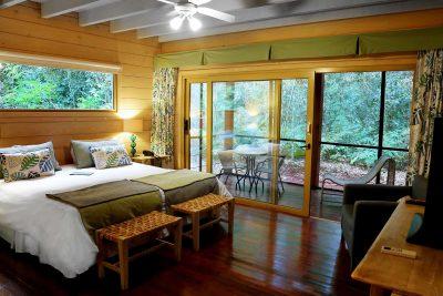la cantera jungle lodge bedroom patio