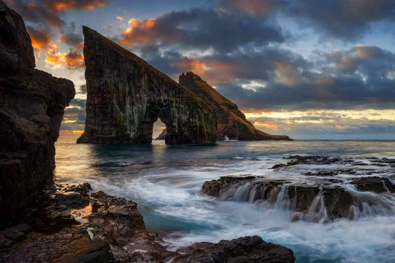 faroe islands vagar drangarnir istk