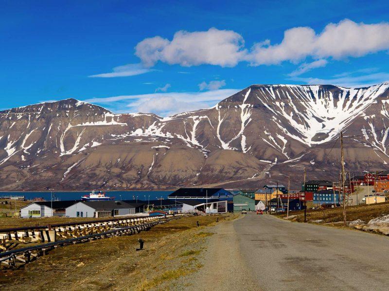 arctic spitsbergen longyearbyen in august istk