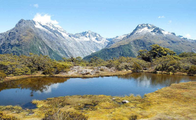new zealand routeburn track stunning alpine view istk