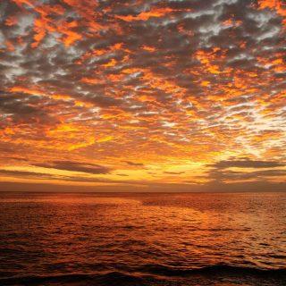 galapagos sunset istk