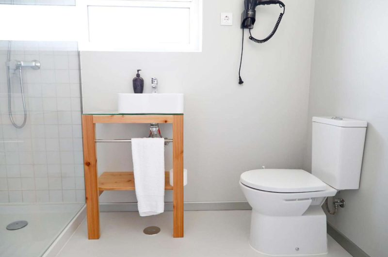 edu azores hotel ponta bathroom