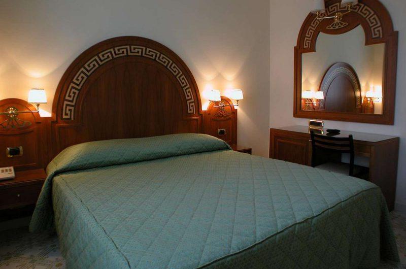 edu bon hotel igea bedroom