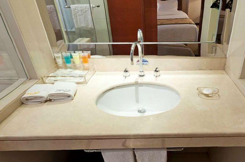 edu china hotel Feitian bathroom