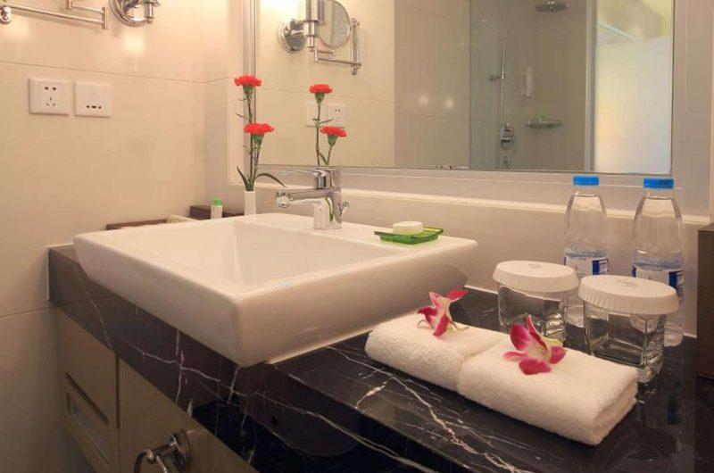 edu china hotel chengdu bathroom