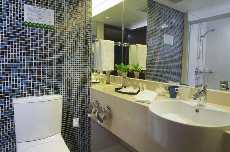 edu china hotel kowloon bathroom