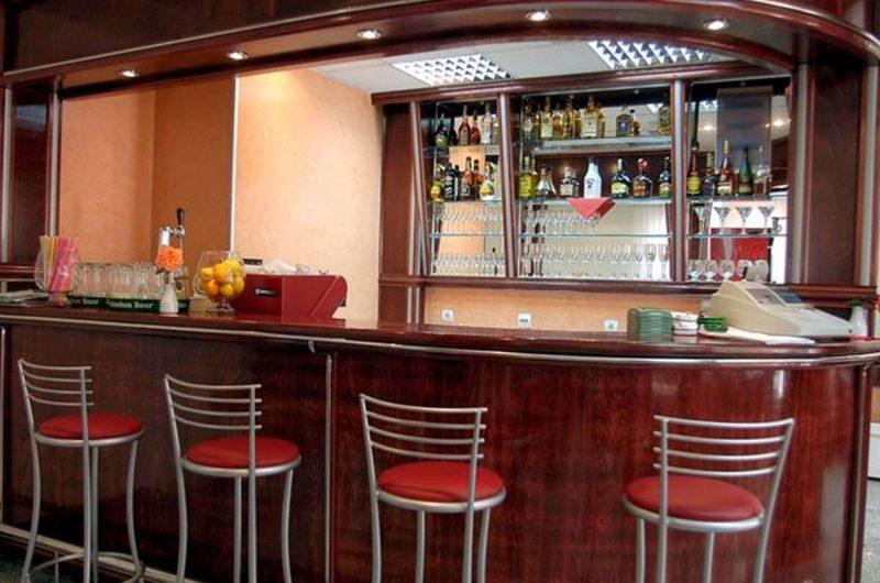 edu mont hotel podostrog bar