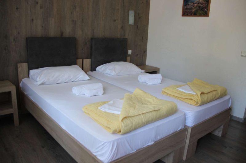 edu park hotel twin room