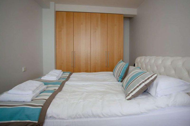 edu iceland hotel hildebrand bedroom