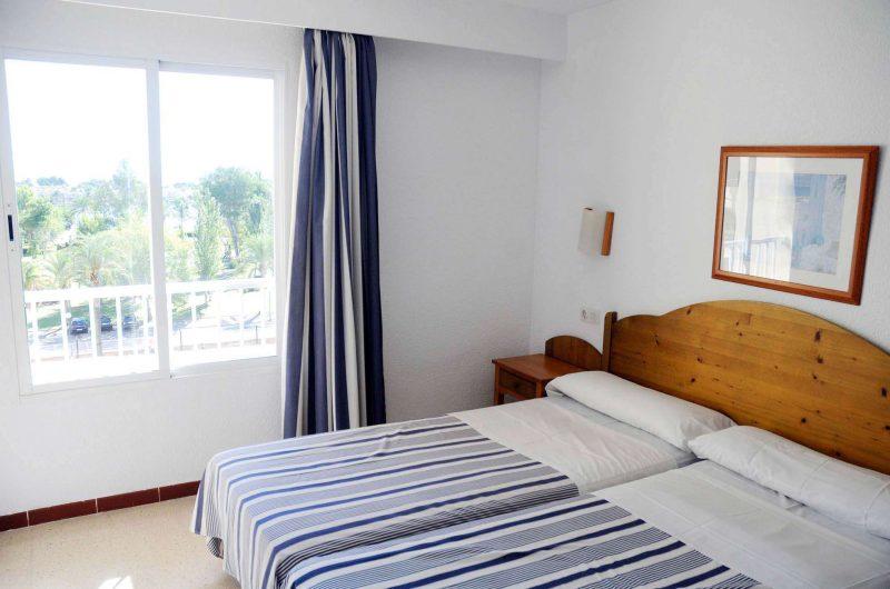 edu mallorca hotel bellevue bedroom