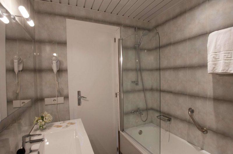 edu mallorca hotel whala bathroom