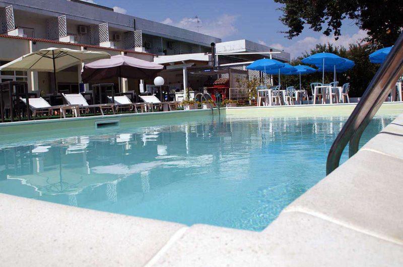 edu BON hotel cristallo pool
