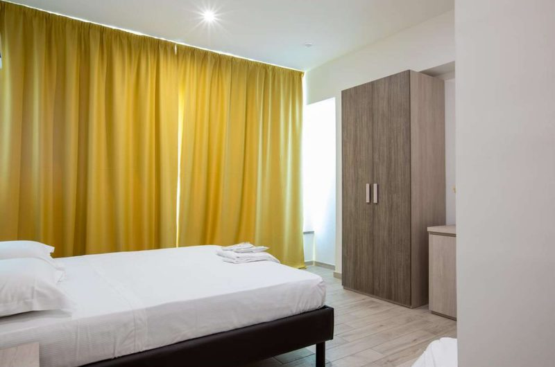 edu BON hotel daisy bedroom