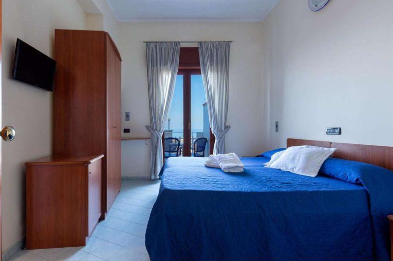 edu BON hotel giosue bedroom