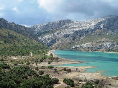 edu mallorca lake tramuntana mountains