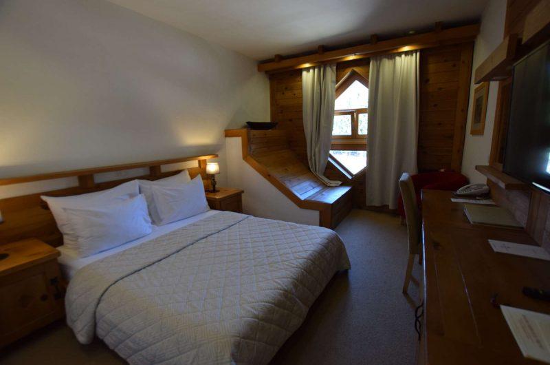 edu montenegro hotel bianca bedroom