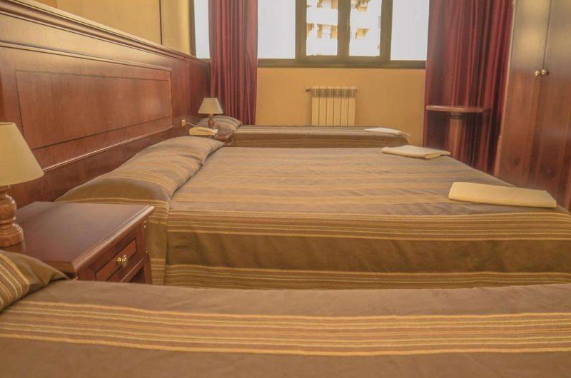 edu rome hotel cinecitta bedroom2