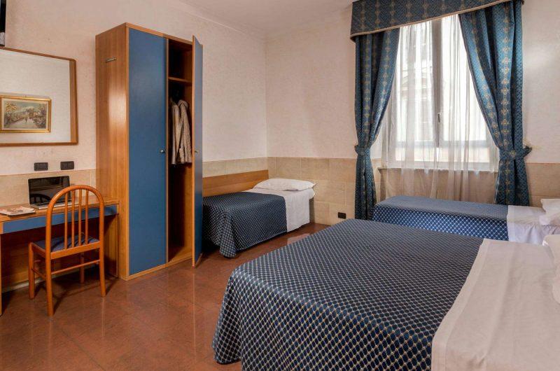 edu rome hotel luciani bedroom2