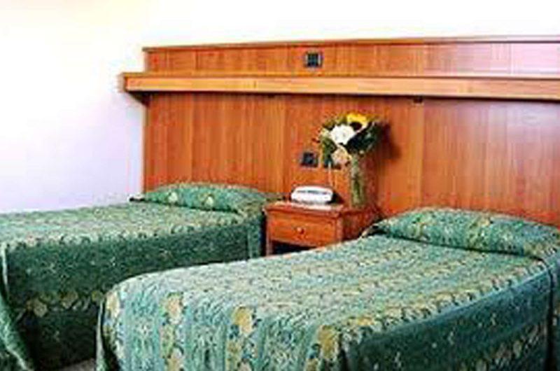 edu rome hotel pastor bedroom
