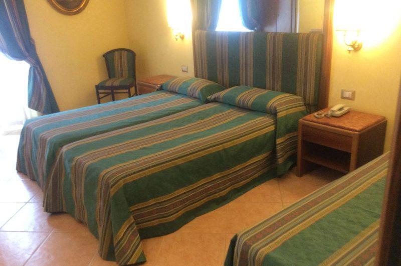 edu rome hotel raeili bedroom