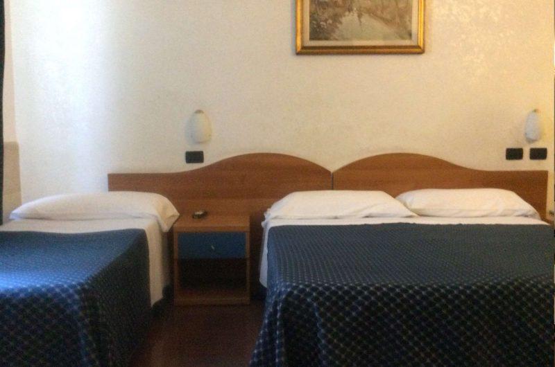 edu rome hotel raeili bedroom2