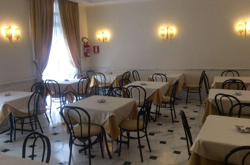 edu rome hotel raeili dining2