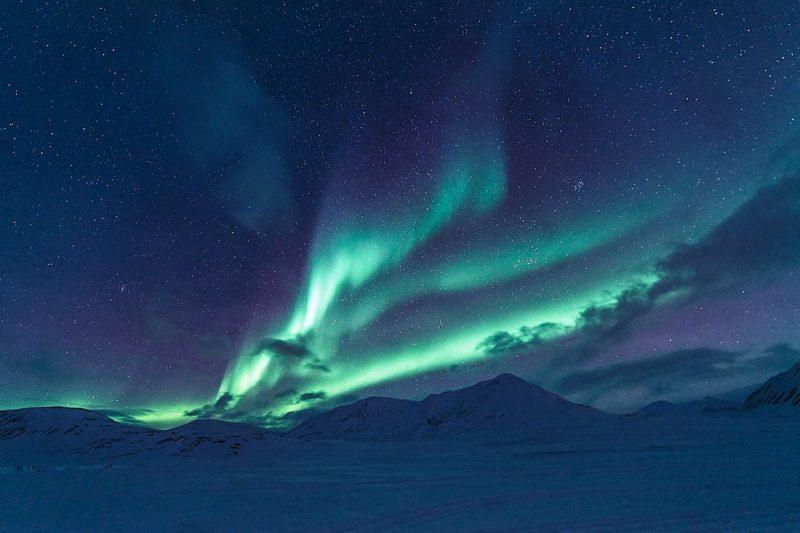 svalbard aurora sky hurtigruten ac