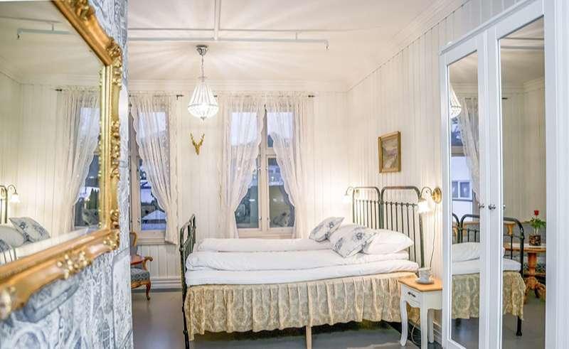 bergen gloppen hotel historic bedroom 1