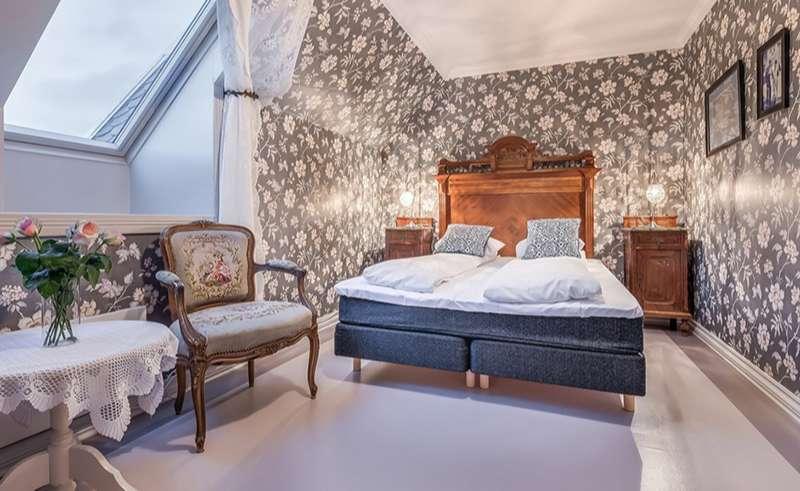 bergen gloppen hotel historic bedroom 4