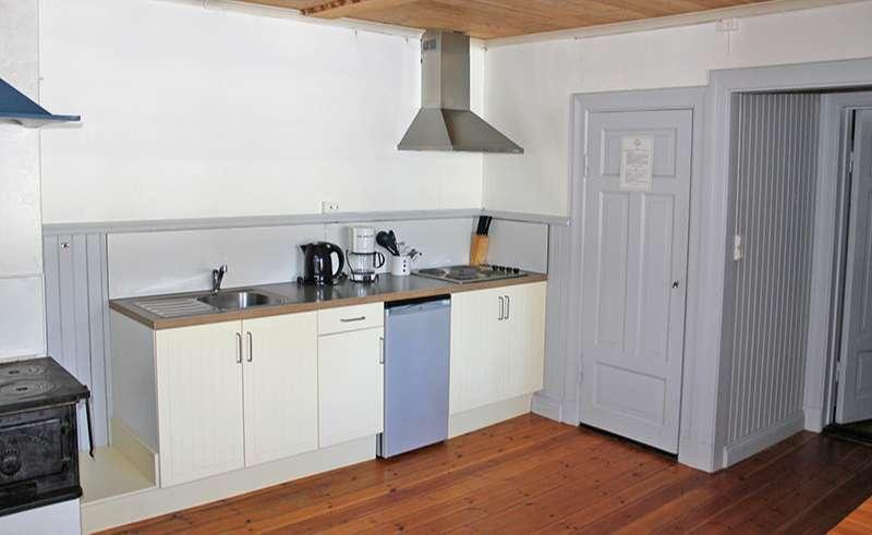 dalarna mora johannisholm cabin kitchen