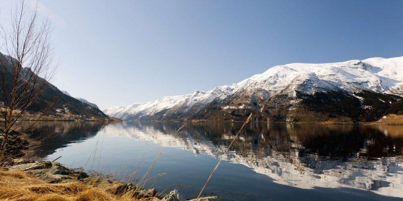 hardangerfjord winter
