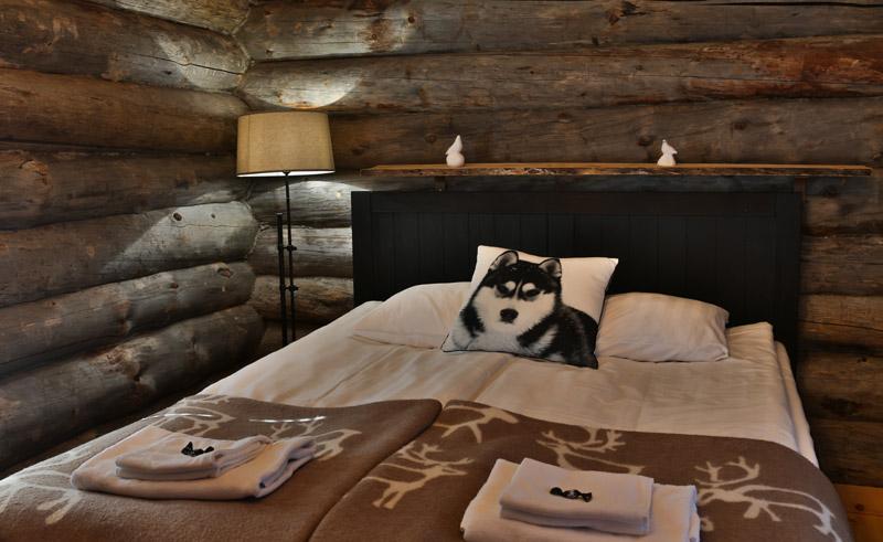 nellim wilderness hotel honeymoon cabin bed