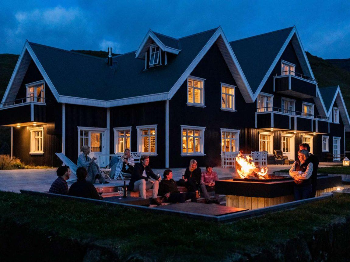 skalakot manor hotel outdoor firepit