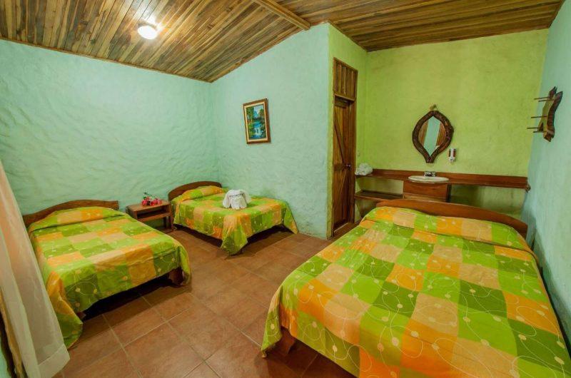 Edu elamancer monteverde triple bedroom
