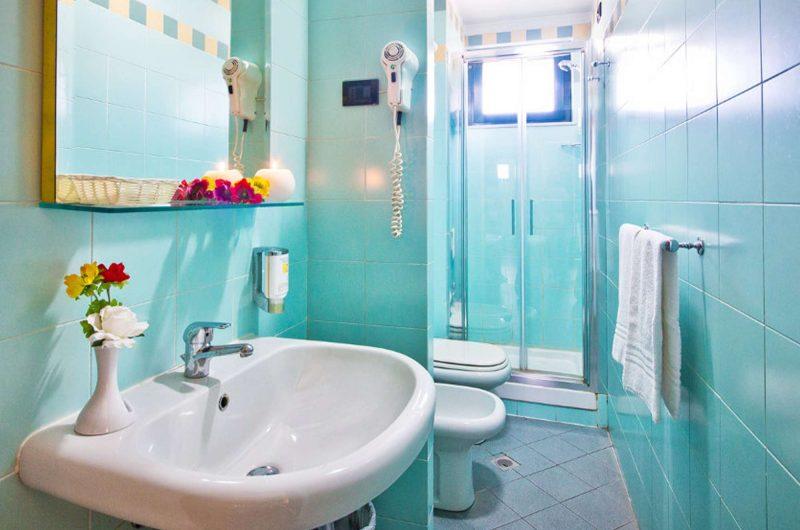 edu hotel atheneum bathroom