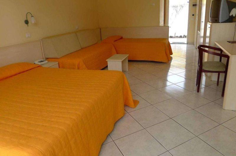 edu kigs house hotel bedroom
