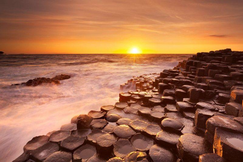 ireland giants causeway sunset istk