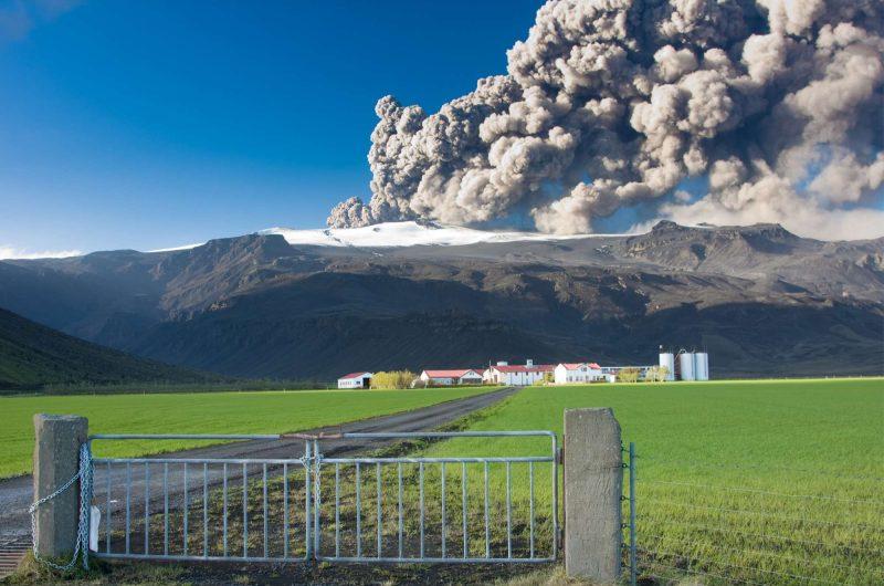 edu eyjafjalljokull eruption 1 sml