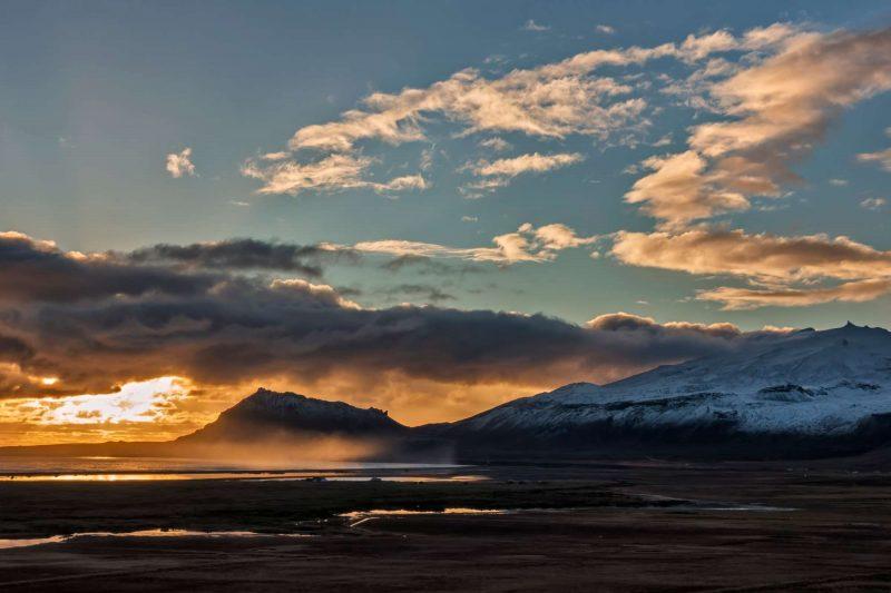 iceland snaefellsnes moody autumn sunset over snaefellsjokull istk