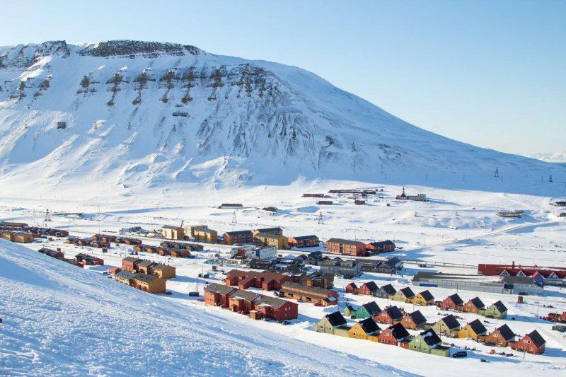 svalbard longyearbyen town view istk
