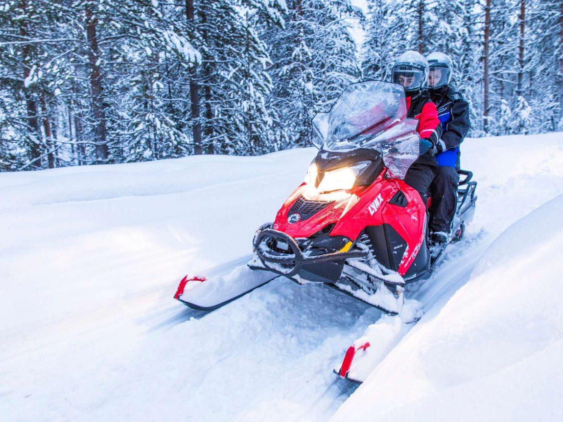 finnish lapland snowmobiling beana laponia