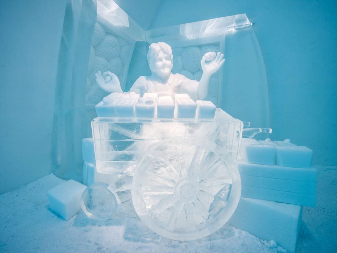 icehotel31 art suite strawberry room ak