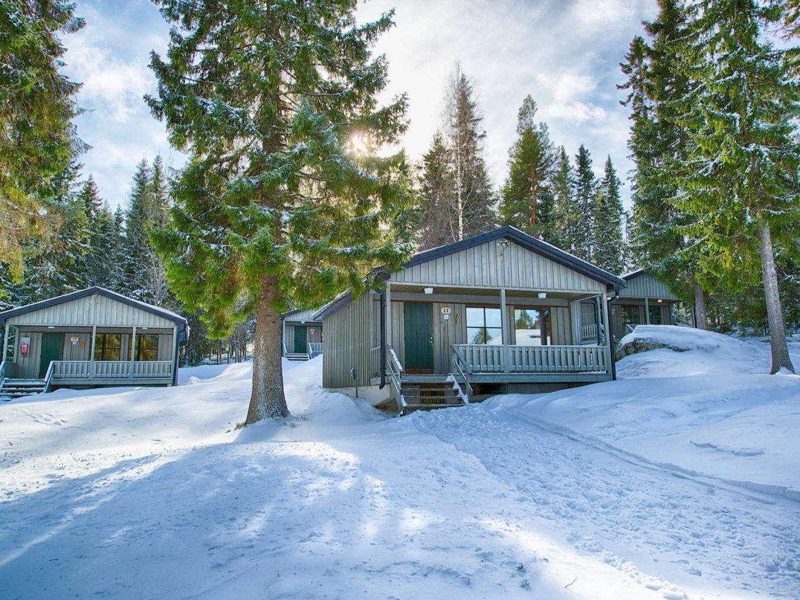 brandon lodge cabins exterior2 gr