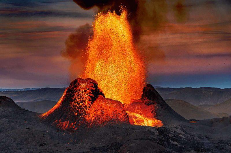 iceland fagradalsfjall volcano magma erupting may21 rth